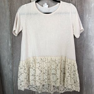 New Downeast short sleeve lace tunic size M